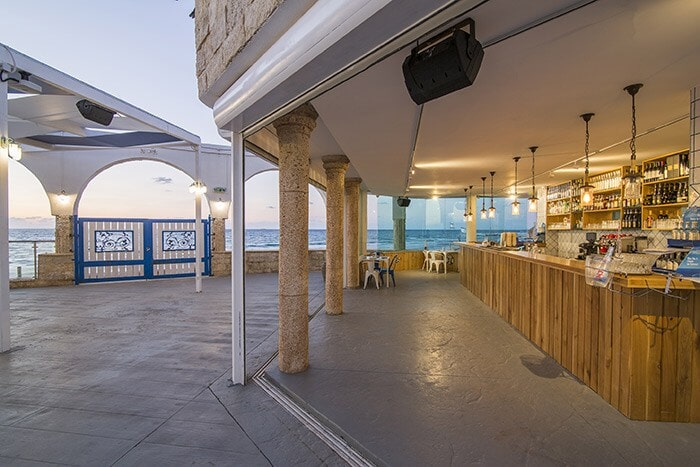 Restaurant by the sea in Netanya